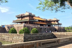 1c 300x200 - TOP 5 Hanoi Shore Excursions